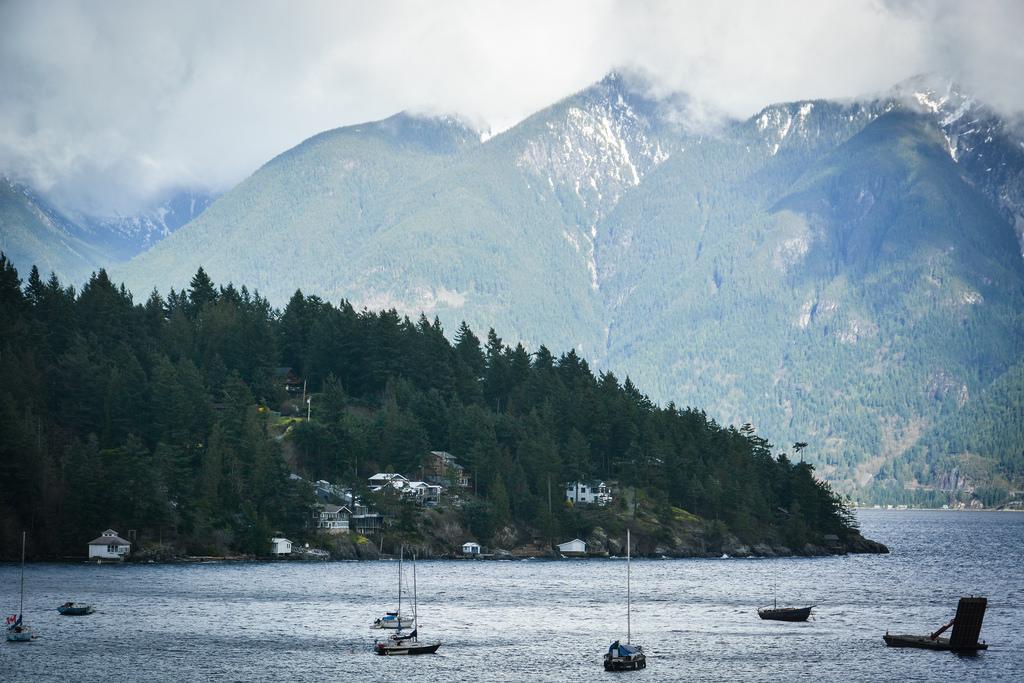 * Homes on Bowen Island. Photo: Stephen Hui, Pembina Institute