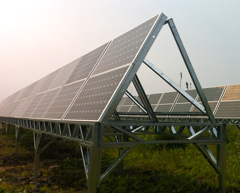 Hybrid 20 kW solar PV / 50 kW diesel system in Wawakapewin First Nation.